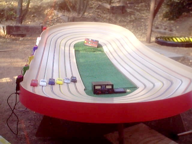 Cruzin Slot Car Tracks